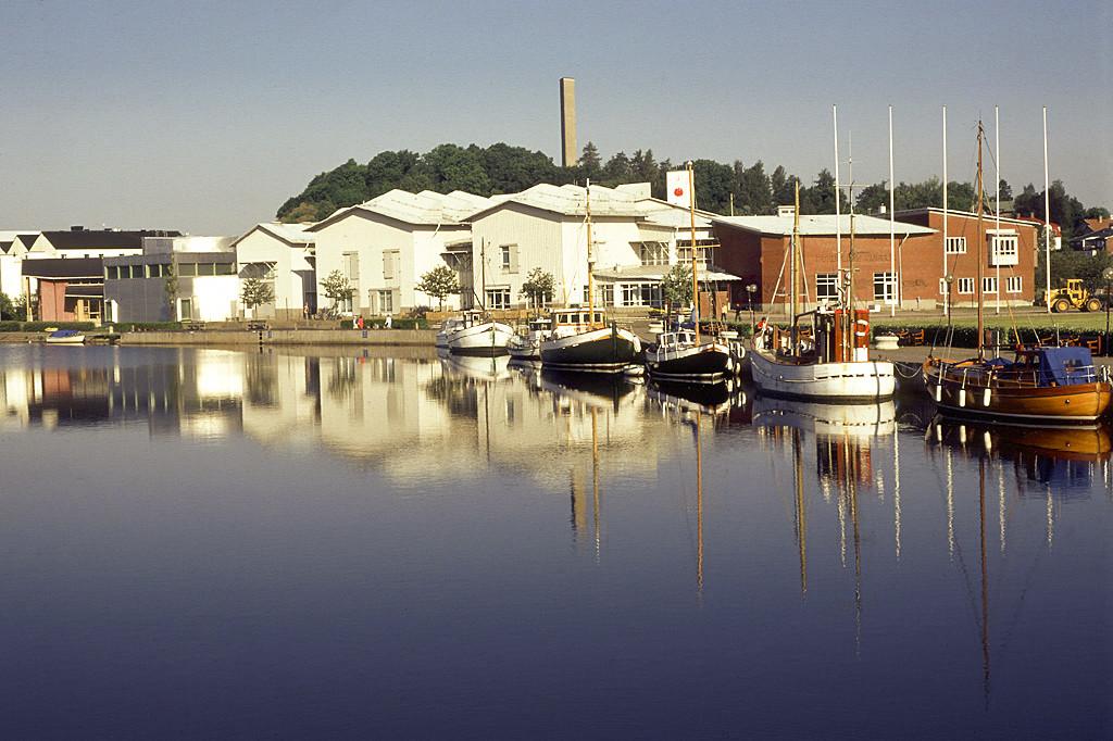 Båthamn för besökare i Bohuslän.